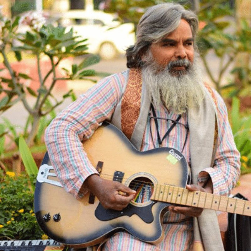 Meet Guitar Rao: A Music Teacher who gives Music lessons for just 1 Rupee